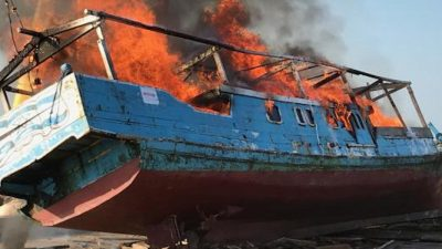 Boat destroyed – skipper fined by Australian court