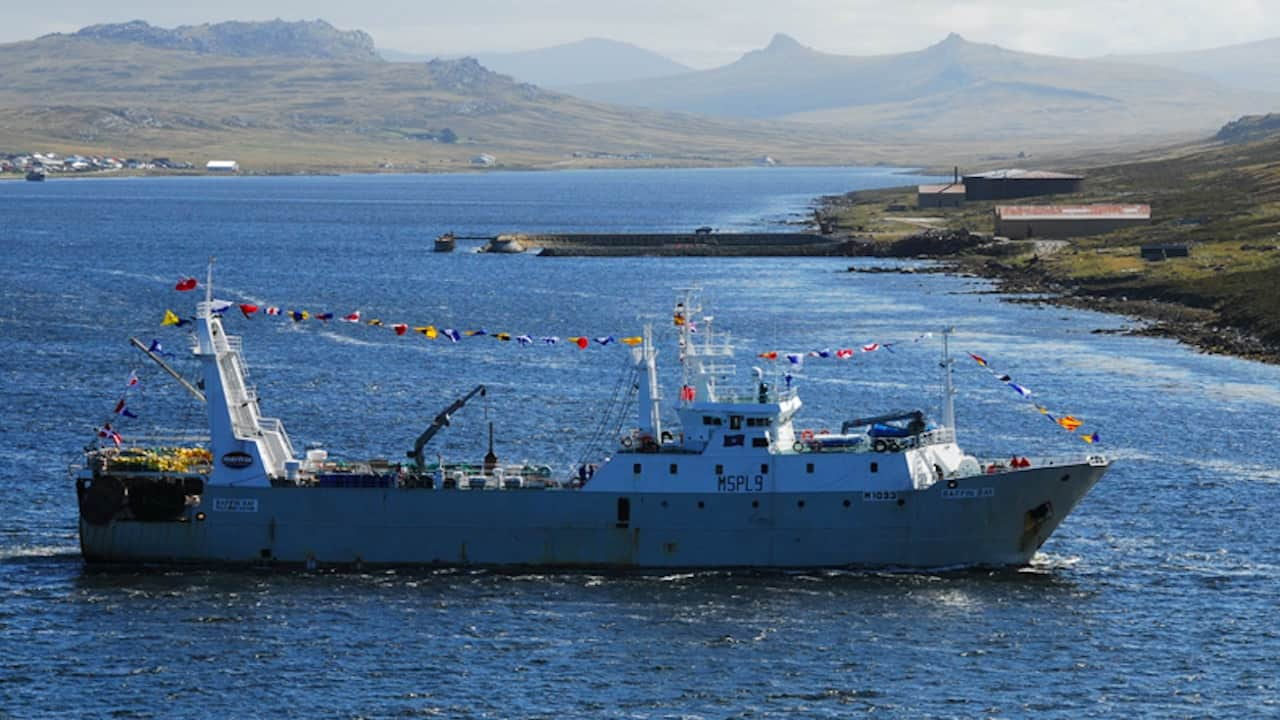 Read more about the article Freezer trawler beyond salvaging after fire on board