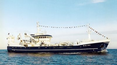 Pelagic stalwart sails south