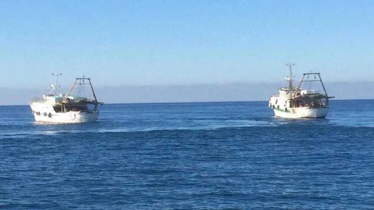 Italian fishermen and Libyan Coastguards clash