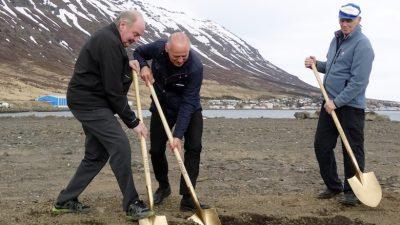 First spadeful of earth for new Fjarðanet net loft