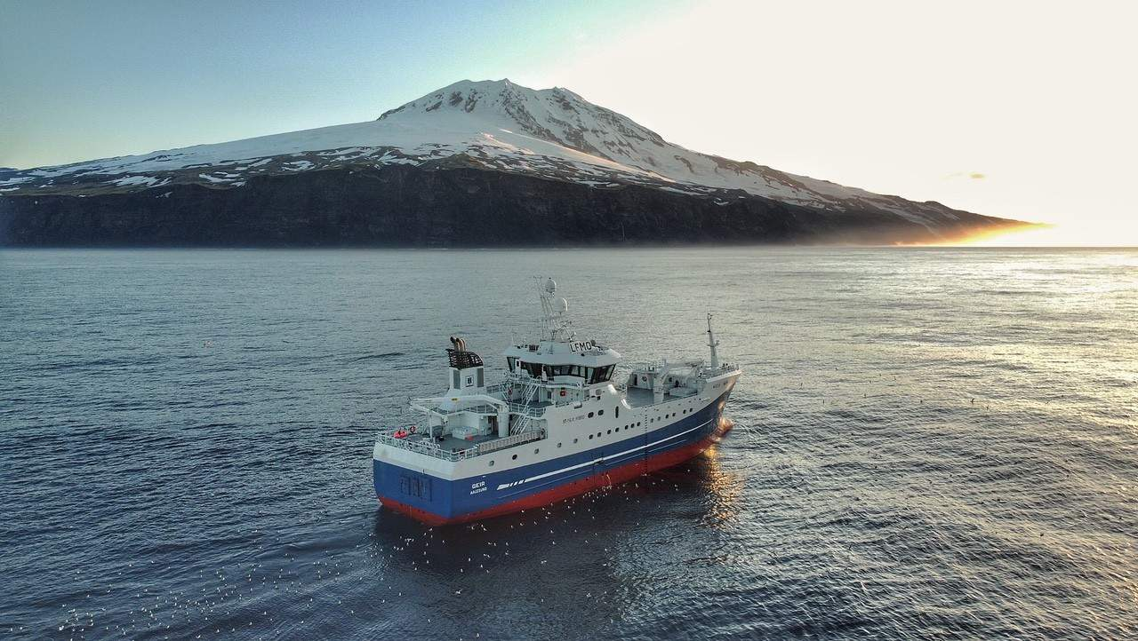 Read more about the article Longliners head back to Jan Mayen