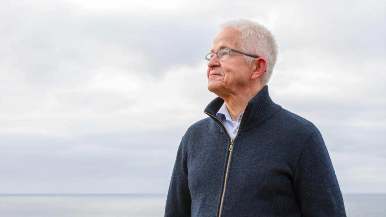 Faroese salmon farmer abandons airfreight