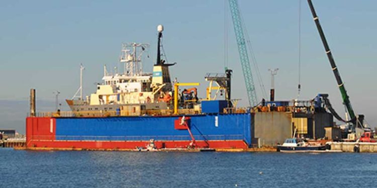 The Hirtshals Yard floating dock is back in action after a tough few months - @ Fiskerforum