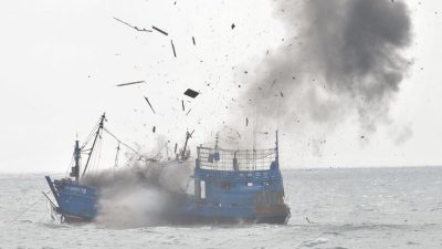 Indonesia ready to sink poachers