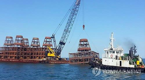 North and South Korean clash over anti-poaching reefs