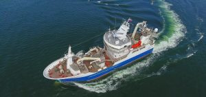Delivery and keel-laying on the same day