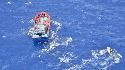 Vietnamese fishing boat apprehended at Lihou Reef