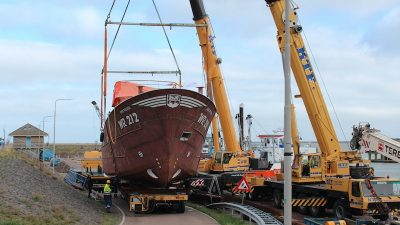 Shrimpers arrive at Luyt yard for fitting out