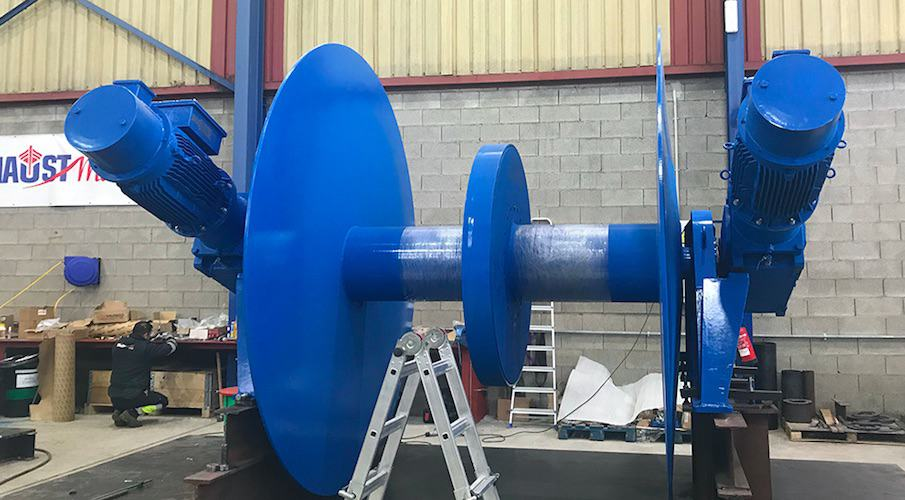Electric winches for twin-rigger/fly-shooters