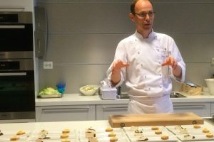 Chef Mindor Klauset with dishes prepared using Pharma Marine's products - @ Fiskerforum