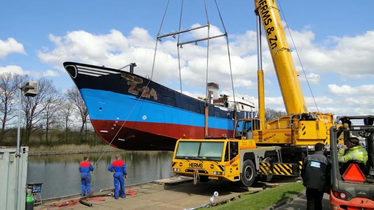 New Elia taking shape at Urk quayside