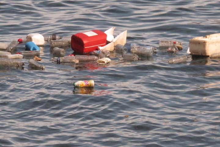 Europe and US tackling plastic ocean pollution