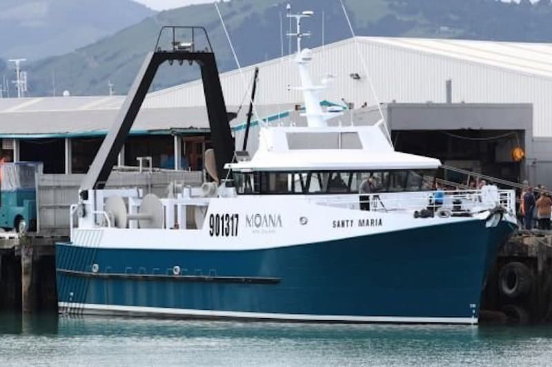 NZ trawler sails with Rapp deck gear