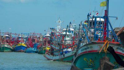 Thai authorities monitor deep-sea fleet