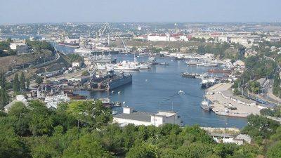 Ukraine closes fishing ports