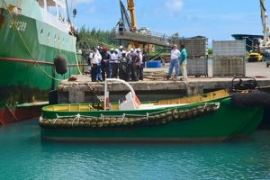 Seychelles and Mozambique fisheries inspectors at the industrial fishing port - @ Fiskerforum