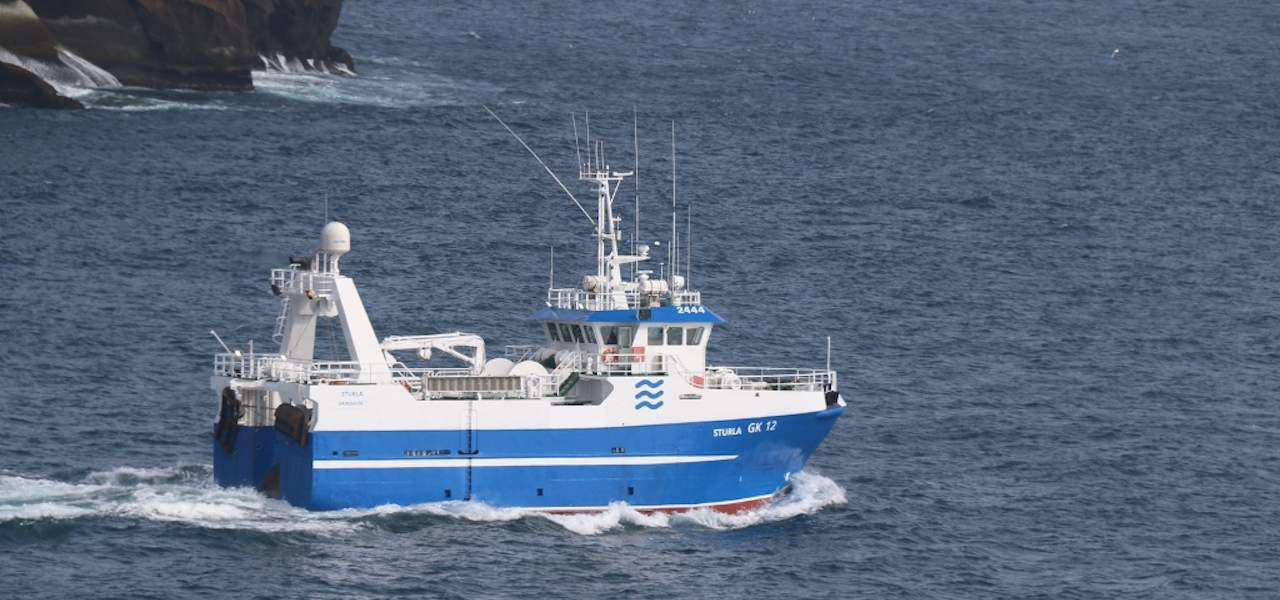 Sturla leaves the Westman Islands for its new home