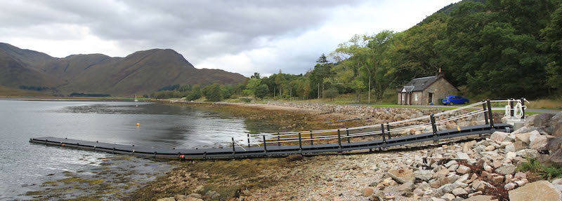 Pontoons from upcycled salmon pens