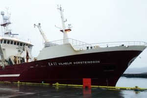 Vilhelm Thorsteinsson making its last landing in Iceland before going to its new Russian owners. Image: SVN/Hákon Ernuson - @ Fiskerforum