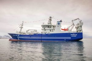 HB Grandi's Víkingur docking at Akranes - @ Fiskerforum