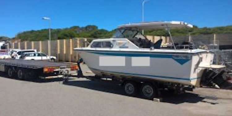 This cabin cruiser was seized by Fisheries officers at Mindarie - @ Fiskerforum