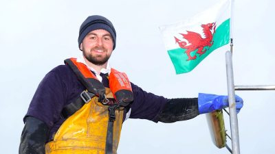 £15 lifejacket offer for Welsh commercial fishermen