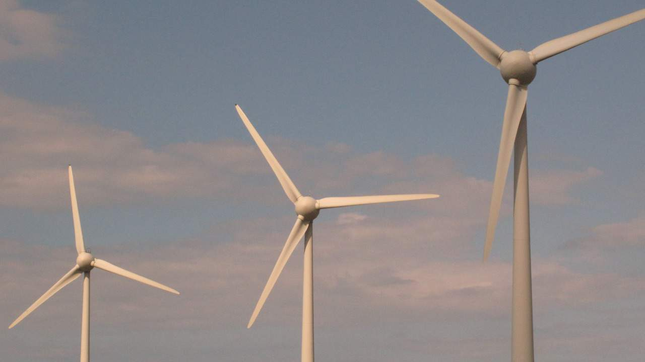 Read more about the article French fishermen oppose Channel windfarm