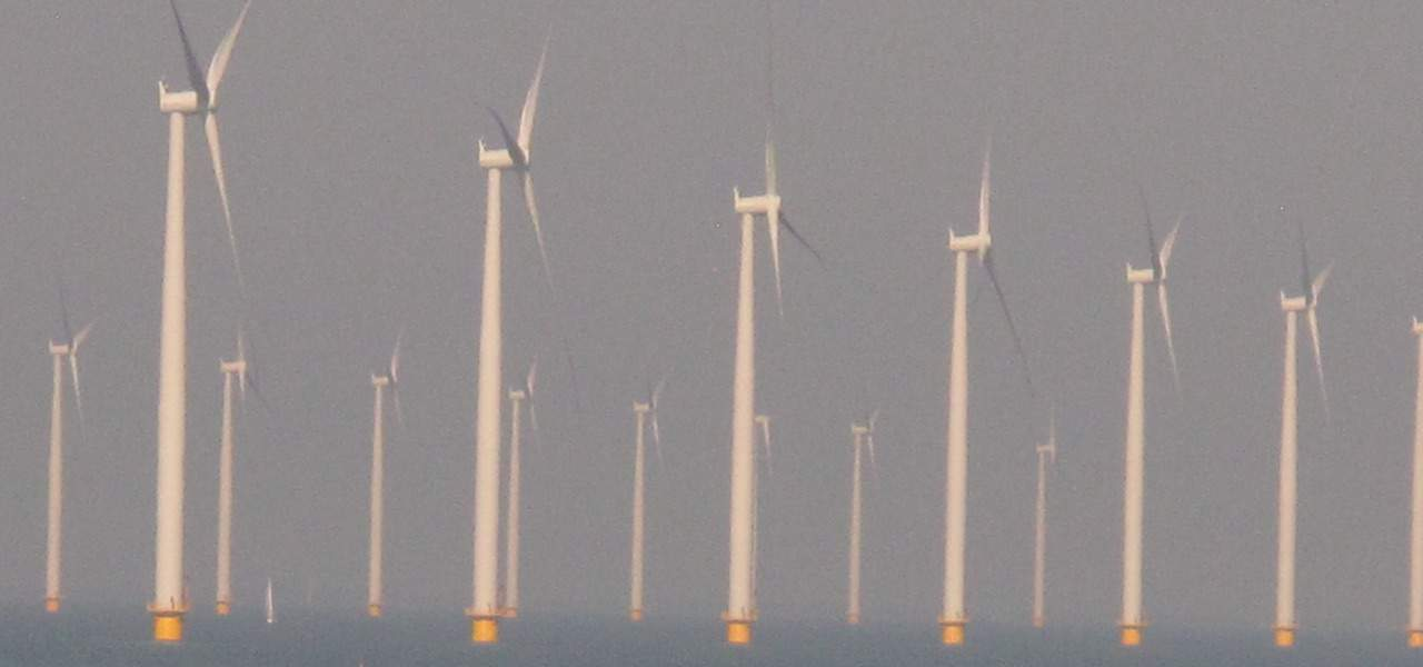 European fishermen protest against windfarm plans